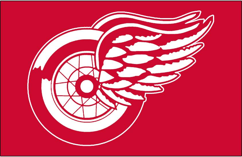 Detroit Red Wings Logo Jersey Logo (1932/33-1947/48) - Worn on front of Detroit Red Wings red jersey from their first season of 1932-33 through 1947-48 SportsLogos.Net
