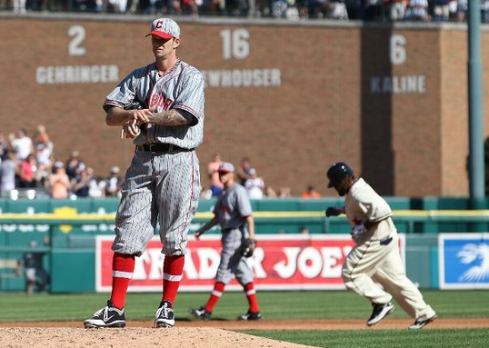 Pittsburgh Pirates - Pittsburgh Crawfords Negro Leagues Tribute Uniforms 2012