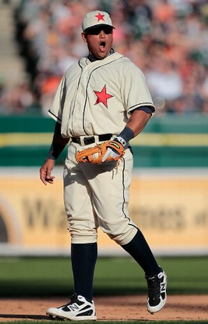 Detroit Tigers - Detroit Stars Negro Leagues Tribute Uniforms 2012