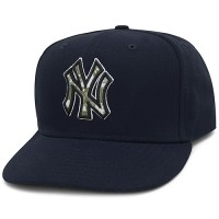 New York Yankees Stars and Stripes Camouflage Cap 2012