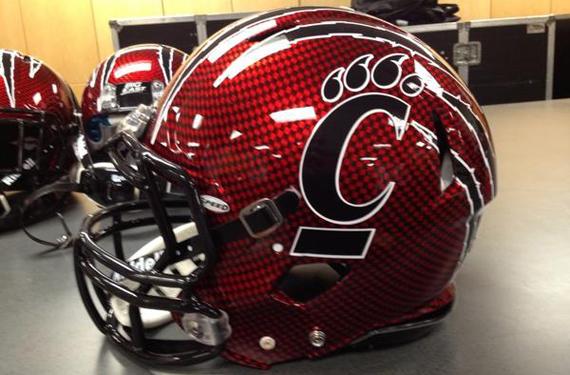 Cincinnati Wearing New Helmet in Belk Bowl