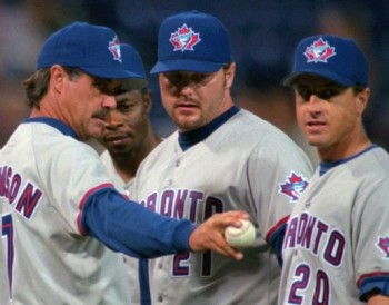 Roger Clemens wearing the sorta similar Jays cap during the 1998 season