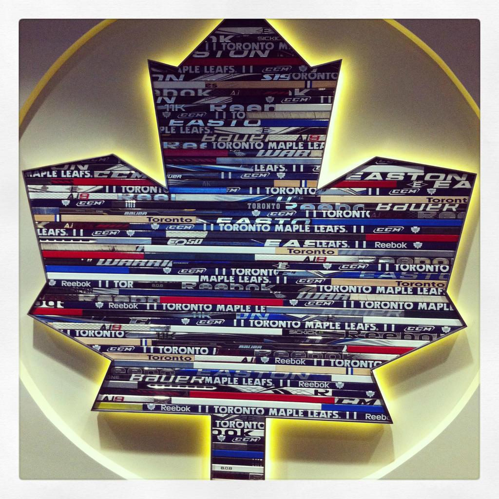 Toronto Maple Leafs Show Off Their Cool Hockey Sticks Logo Art Sportslogos Net News