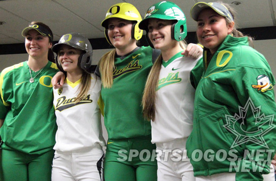 Oregon Ducks Softball Unveils 5 New Nike Uniforms