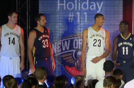 New Orleans Pelicans Unveil New Uniforms