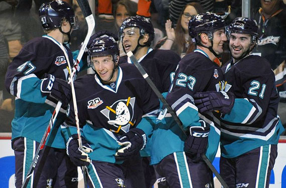 eb228a656ed Pics  Mighty Ducks Return to Anaheim for One Night