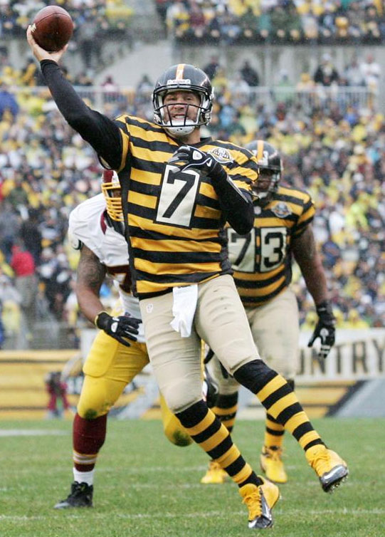Pittsburgh Steelers  Chicago Bears In Throwbacks Today  410fb27b4