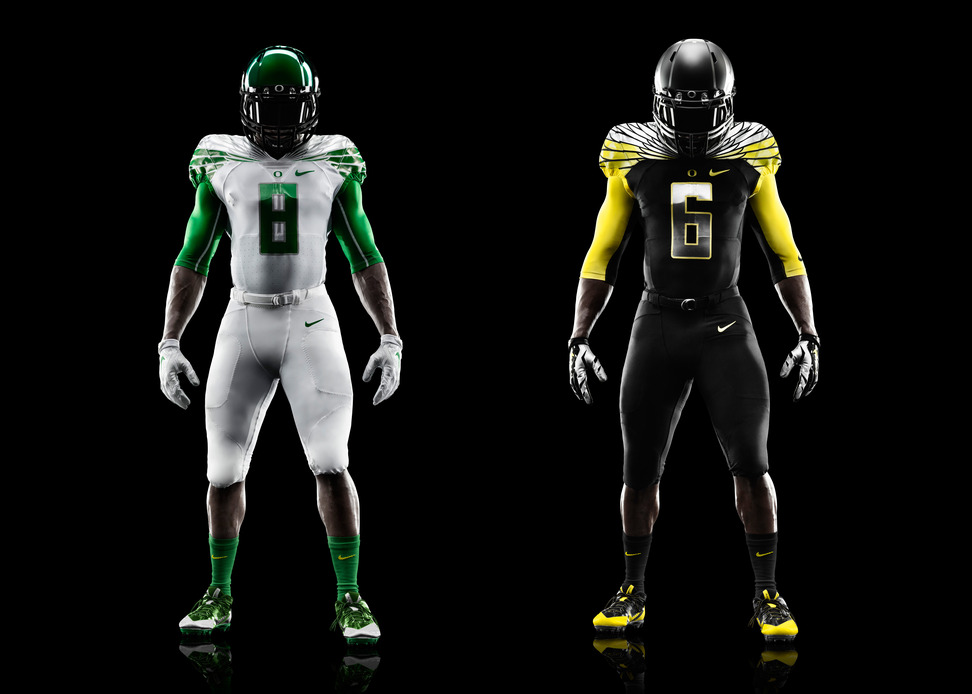 Oregon Ducks Unveil New Uniforms for 2013 Alamo Bowl