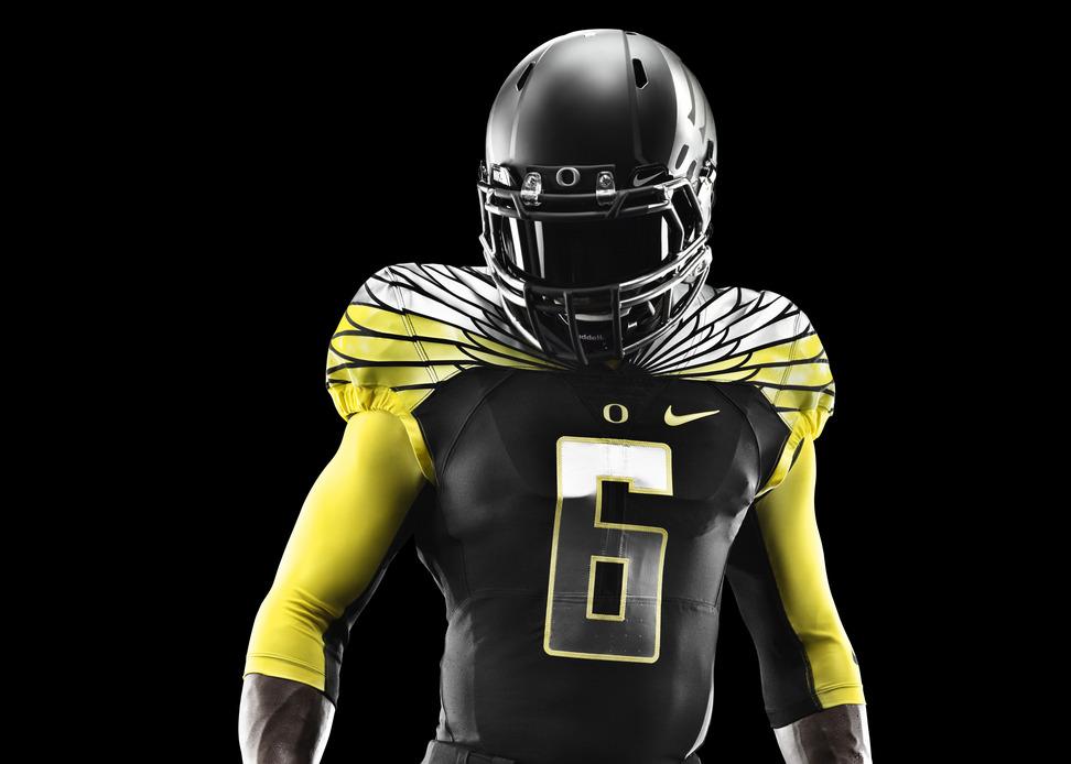 Oregon Ducks Unveil New Uniforms For 2013 Alamo Bowl
