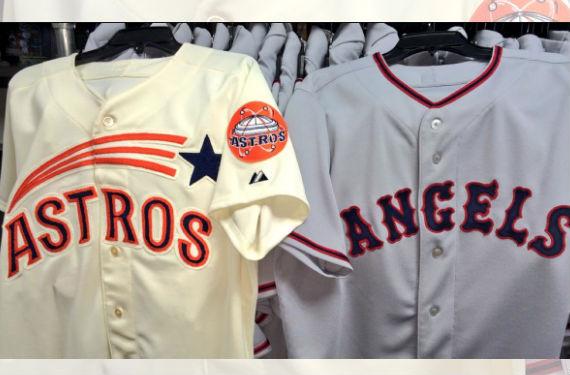 Astros, Angels Wearing 1965 Throwbacks