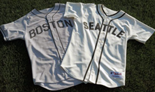 Mariners Red Sox Negro League Uniforms 2015