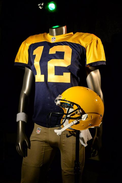 Packers will continue wearing throwback alternates for 2016 season ... 9cc7efc4b