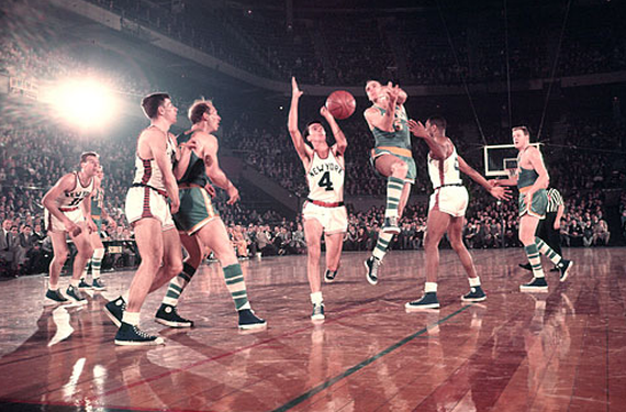 New York Knicks will wear throwbacks from the 1950s this season