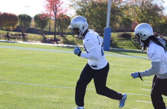 Due to travel snafu, Detroit Lions are forced to practice without helmet decals