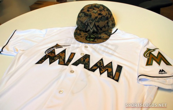 Miami Marlins 2016 Memorial Day Uniform (Photo: Chris Creamer/SportsLogos.Net)