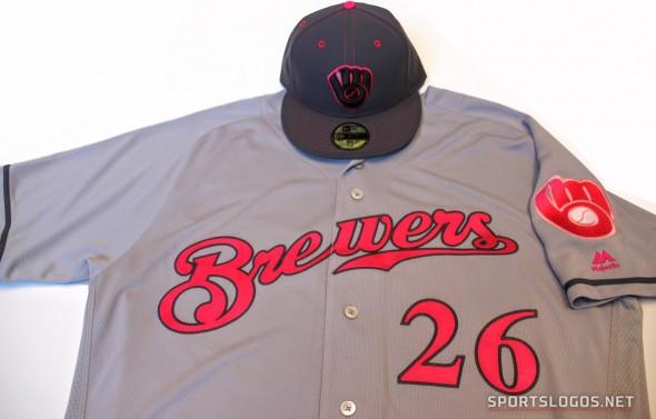Milwaukee Brewers Mother's Day Uniform (Photo: Chris Creamer/SportsLogos.Net)