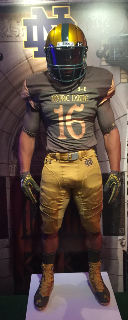 a8f2ef670 Notre Dame officially unveils Shamrock Series uniforms for 2016 ...