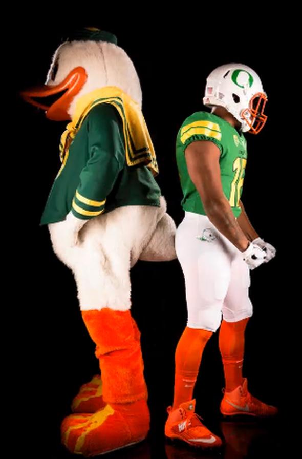 Oregon Ducks puddles 1