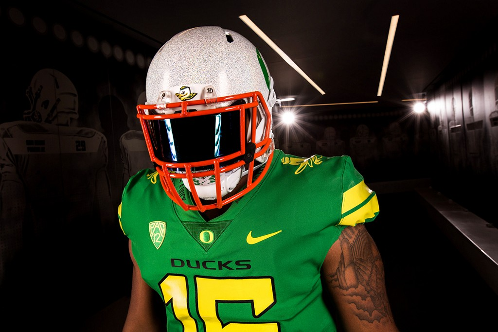 competitive price b5271 85acb Oregon Ducks will dress like their mascot this Saturday ...