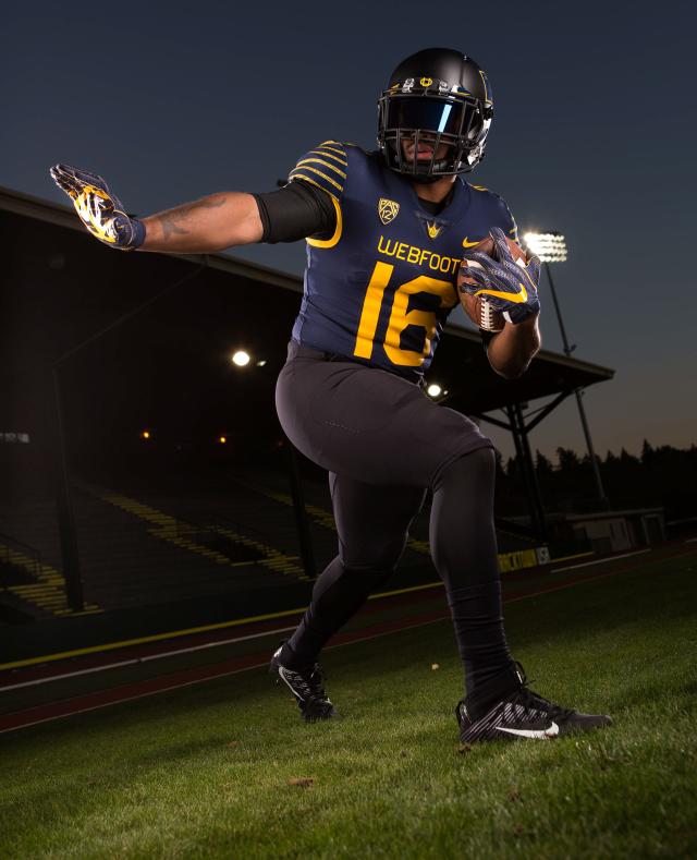 pretty nice 56e90 6946e Oregon Ducks reveal throwback-inspired Webfoot uniforms ...