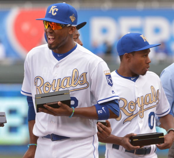 Kansas City Royals wearing their gold jerseys in 2016