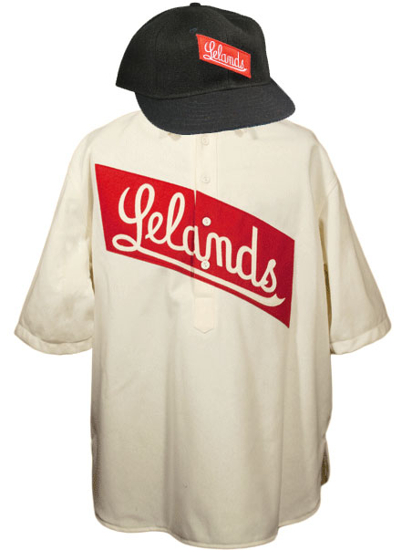 An example of what the Leland Giants wore in 1905 (images via Ebbets Field Flannels and allhiphop.com)