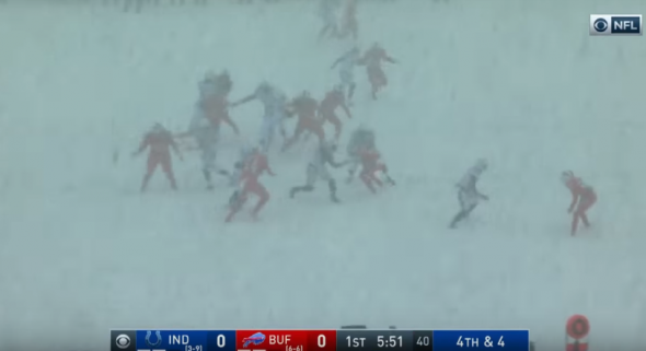 Colts illegally had non-players help clear snow before Adam Vinatieri kick