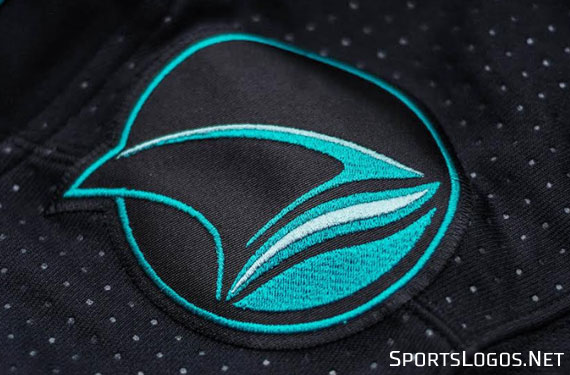 Sharks Switch to Stealth Mode with New Alternate Uniform  1504d3fc6