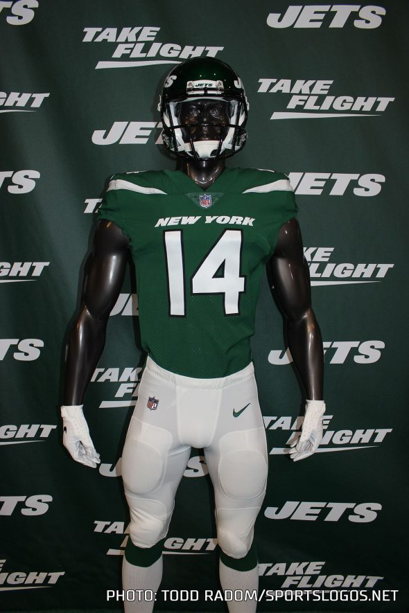 new product 5689d 29254 New York Jets Take Flight, Unveil New Logo and Uniforms for ...