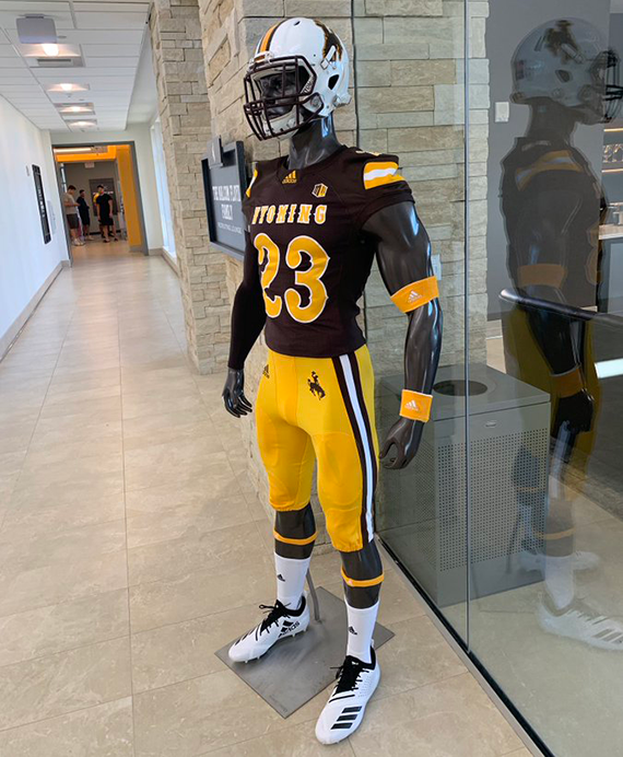 best sneakers a3afd a0c71 Wyoming Cowboys Unveil New Football Uniforms | Chris ...