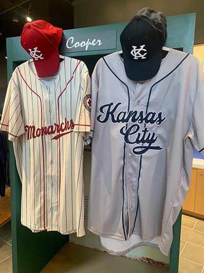Kansas City Monarchs unveil new generation of uniforms