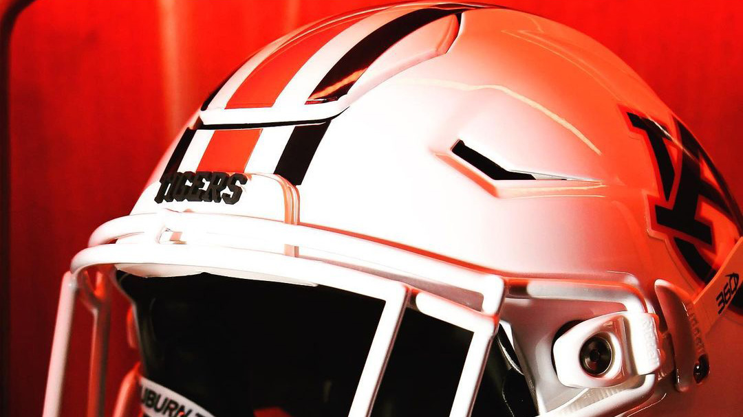 Auburn To Wear White Facemasks For Saturday's Game At Penn State